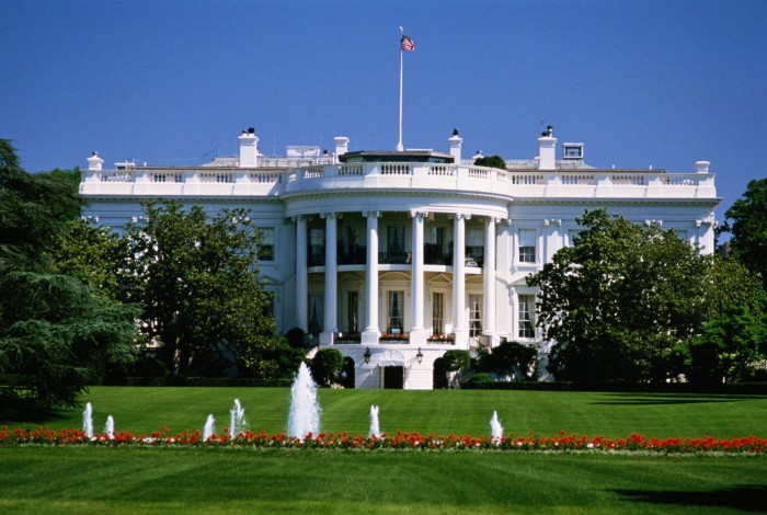 USA, Washington D.C, White House, garden and fountains in foreground